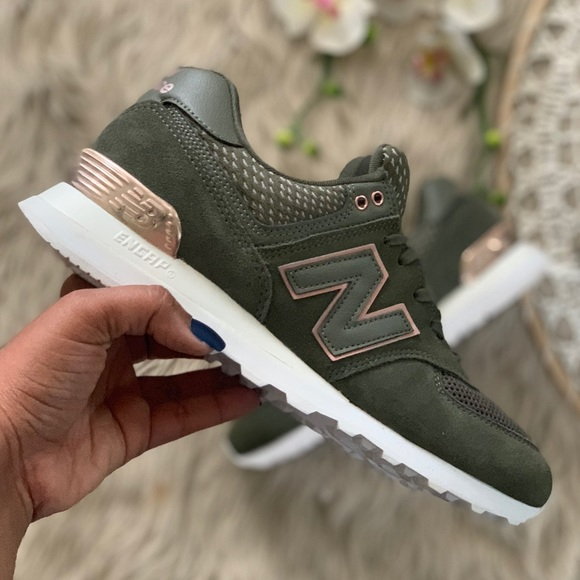 huge selection of fcc16 c96bd New Balance 574 Olive Green Rose Gold Sneakers 9.5 NWT